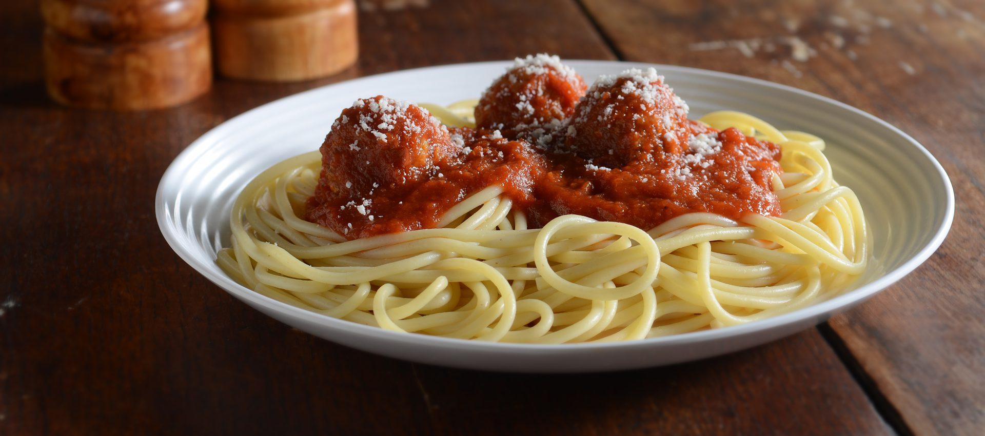 Vegetable-spaghetti-and-meatballs-1-HR-1920x850 Easy Weeknight Spaghetti and Meatballs